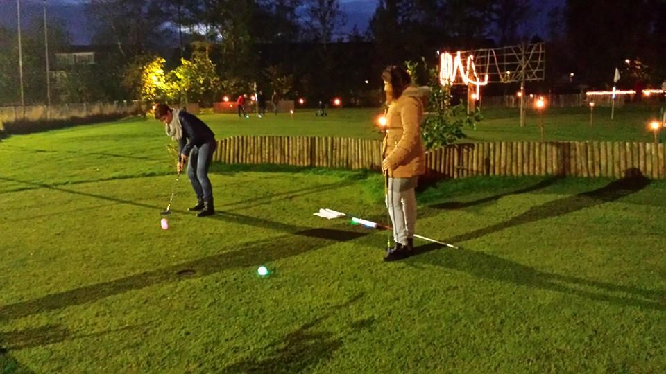 Golf in the dark - a fun company party, staff party or family party