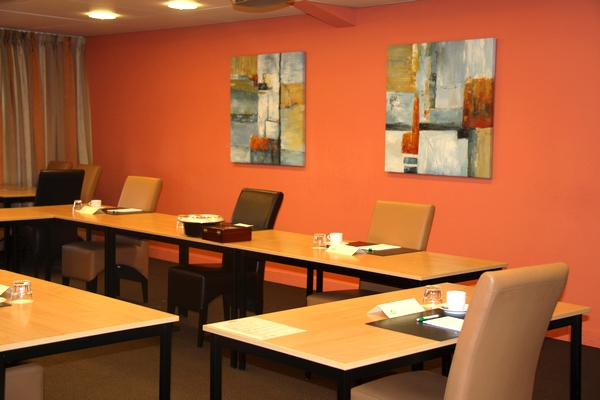 32-hour meeting package at the conference hotel Aparthotel Delden in the Hof van Twente